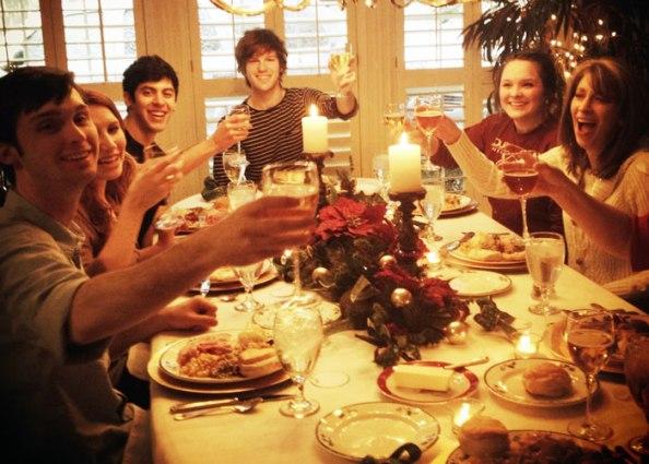 christmas-family-dinner-crop